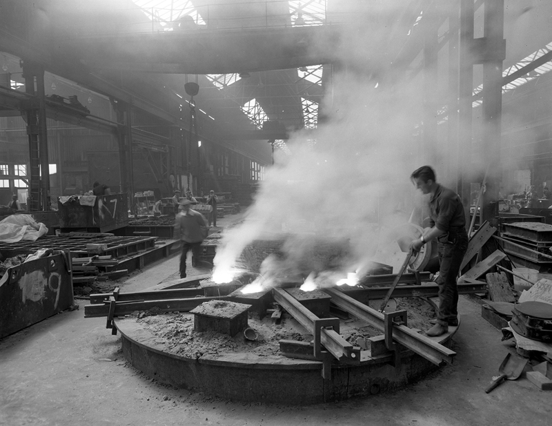 Casting at Stockton Foundry, 1970 (Head Wrightson Collection, Stockton Council Libraries).jpg