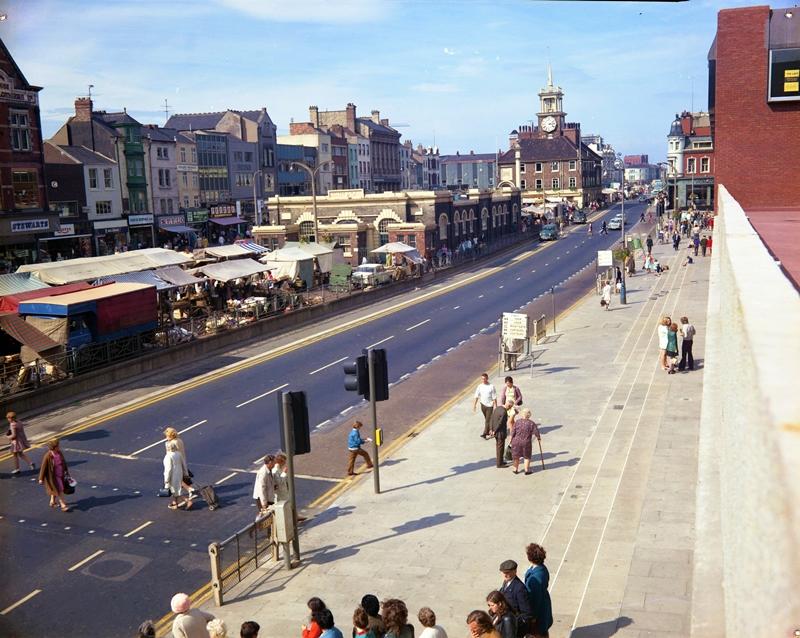 Stockton High Street in 1972 (Teesside Archives).jpg